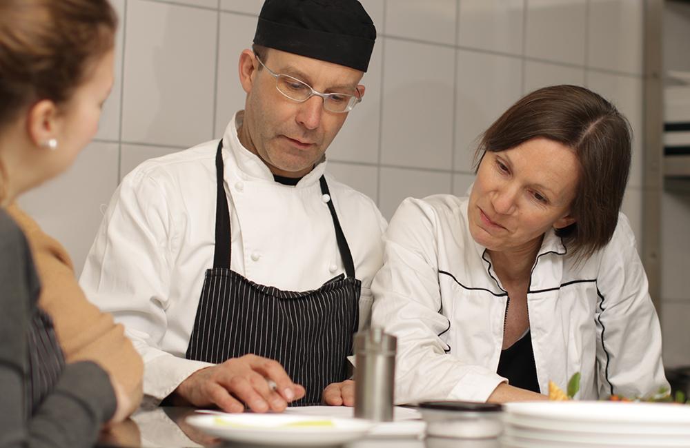 hervorragende Ausbildung in der Kochnische